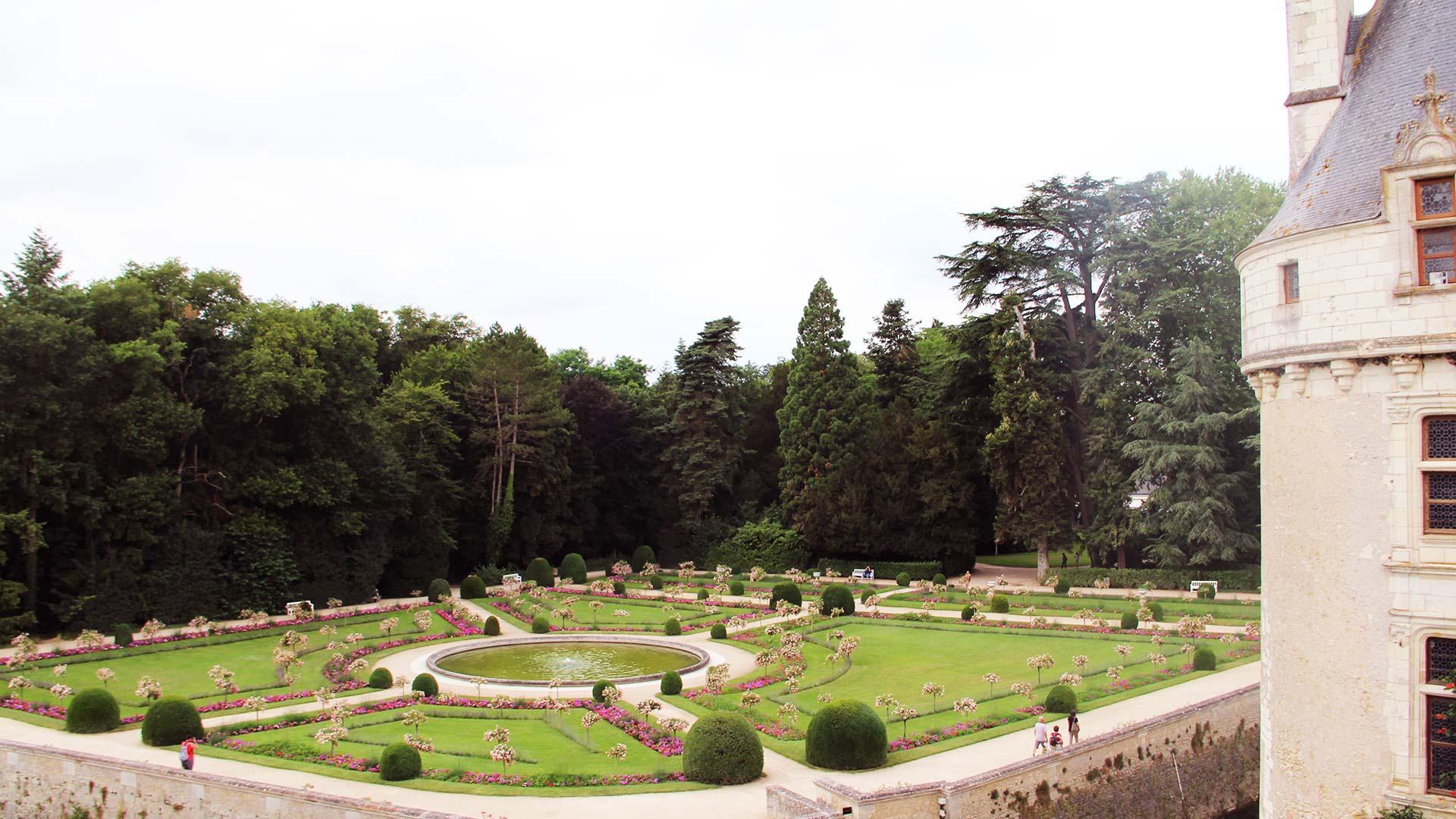 Chateau-chenonceau1