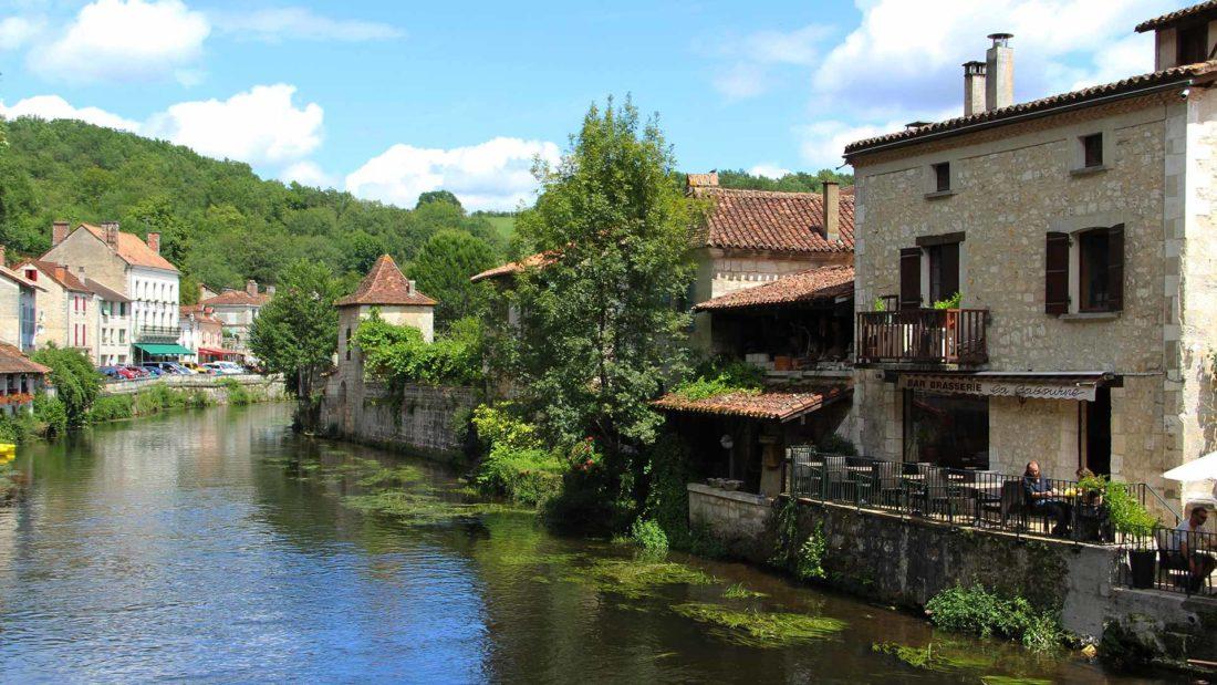 brantome-dordogne-village-france