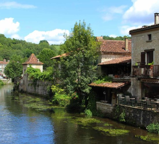brantome-dordogne-village-france